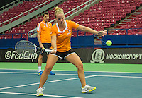 Moskou, Russia, Februari 4, 2016,  Fed Cup Russia-Netherlands,  Dutch team practise,  Captain Paul Haarhuis  with  Richel Hogenkamp (R)<br /> Photo: Tennisimages/Henk Koster