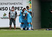 BUCARAMANGA - COLOMBIA, 07-11-2020:Jugadores de Jaguares de Cordoba F. C., celebran el gol anotado al Atletico Bucaramanga, durante partido entre Atletico Bucaramanga y Jaguares de Cordoba F. C., de la fecha 18 por la Liga BetPlay DIMAYOR 2020, jugado en el estadio Alfonso Lopez de la ciudad de Bucaramanga. / Jugadores of Jaguares de Cordoba F. C., celebrate a scored goal to Atletico Bucaramanga, during a match between Atletico Bucaramanga and Jaguares de Cordoba F. C., of the 18th date for the BetPlay DIMAYOR League 2020 at the Alfonso Lopez stadium in Bucaramanga city. / Photo: VizzorImage / Jaime Moreno / Cont.
