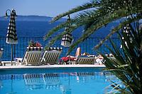 """Europe/Provence-Alpes-Côte d'Azur/83/Var/Rayol-Canadel-sur-Mer: Hôtel """"Le Bailli de Suffren"""" - La piscine"""