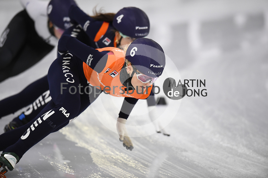 SCHAATSEN: HEERENVEEN: 12-12-2020, IJsstadion Thialf, Shorttrack, NK Shorttrack Afstanden, Xandra Velzeboer, ©foto Martin de Jong