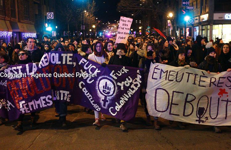 Manifestation feministe  le 31 mars 2015.<br /> <br /> PHOTO :  Agence Quebec Presse