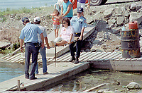 1990 FILE PHOTO (Exact date unknown):  OKA Crisis -<br /> evacuation<br />  of indian reserve<br /> <br /> <br /> PHOTO :  Agence Quebec Presse - <br /> Robert Galbraith