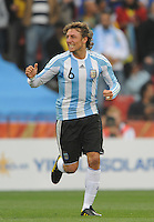 Gabriel Heinze of Argentina celebrates his goal