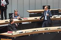 Plenarsitzung des Berliner Abgeordnetenhaus am Donnerstag den 30. April 2020.<br /> Im Bild vlnr.: Kultursenator Klaus Lederer; Bausenatorin Katrin Lompscher (beide Linkspartei) und der regierende Buergermeister Michael Mueller (SPD).<br /> 30.4.2020, Berlin<br /> Copyright: Christian-Ditsch.de<br /> [NUR FUER REDAKTIONELLE ZWECKE! Werbung nur auf Anfrage beim Fotografen. Inhaltsveraendernde Manipulation des Fotos nur nach ausdruecklicher Genehmigung des Fotografen. Vereinbarungen ueber Abtretung von Persoenlichkeitsrechten/Model Release der abgebildeten Person/Personen liegen nicht vor. NO MODEL RELEASE! Don't publish without copyright Christian-Ditsch.de, Veroeffentlichung nur mit Fotografennennung, sowie gegen Honorar, MwSt. und Beleg. Konto: I N G - D i B a, IBAN DE58500105175400192269, BIC INGDDEFFXXX, Kontakt: post@christian-ditsch.de<br /> Bei der Bearbeitung der Dateiinformationen darf die Urheberkennzeichnung in den EXIF- und  IPTC-Daten nicht entfernt werden, diese sind in digitalen Medien nach §95c UrhG rechtlich geschuetzt. Der Urhebervermerk wird gemaess §13 UrhG verlangt.]