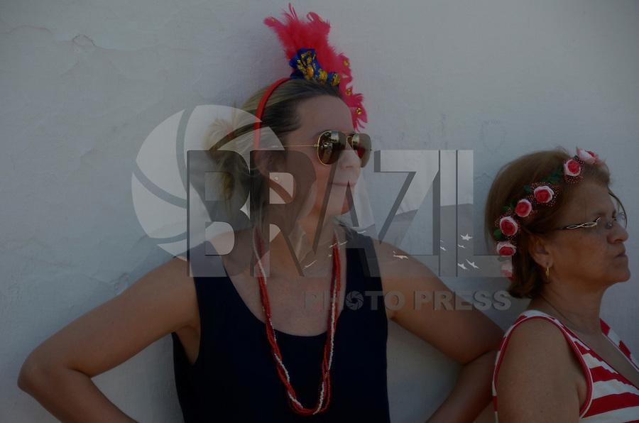OLINDA, PE, 07.02.2016 - CARNAVAL-PE - Foliões se fantasiam em Olinda, durante o carnaval, neste domingo (07). (Foto: Diego Herculano / Brazil Photo Press)