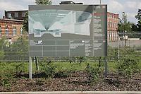 Besuch im ICE-Werk Leipzig..Im Bild: Erinnerung an die Bauphase - Schild auf dem Betriebsgel‰nde. Foto: Jan Kaefer / aif