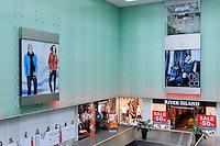 Einkaufszentrum Renoma in Wroclaw (Breslau), Woiwodschaft Niederschlesien (Województwo dolnośląskie), Polen, Europa<br /> Shopping Center Renoma  in Wroclaw, Poland, Europe