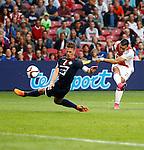 Nederland, Amsterdam, 15 augustus 2015<br /> Eredivisie<br /> Seizoen 2015-2016<br /> Ajax-Willem ll (3-0)<br /> Anwar El Ghazi van Ajax schiet op doel