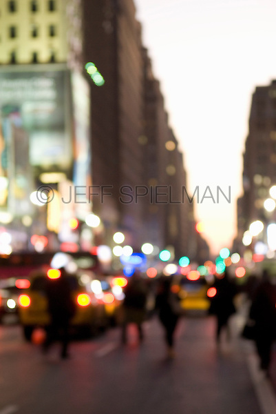 AVAILABLE FOR LICENSING FROM WWW.PLAINPICTURE.COM.  Please go to www.plainpicture.com and search for image # p5690249.<br /> <br /> Defocused Midtown Manhattan Street Scene - Commuters and Traffic at Evening Rush Hour on Seventh Avenue Near Penn Station, New York City, New York State, USA