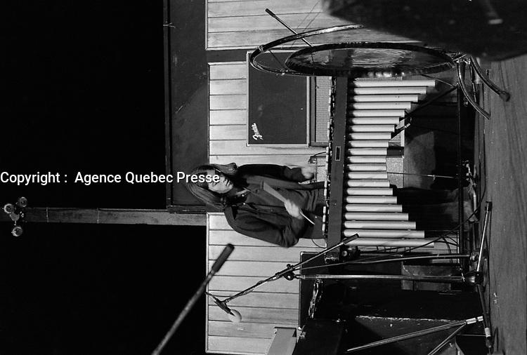 Le groupe quebecois MANEIGE <br />  en spectacle, le 21 juin 1976.<br /> <br /> PHOTO : Agence Quebec Presse