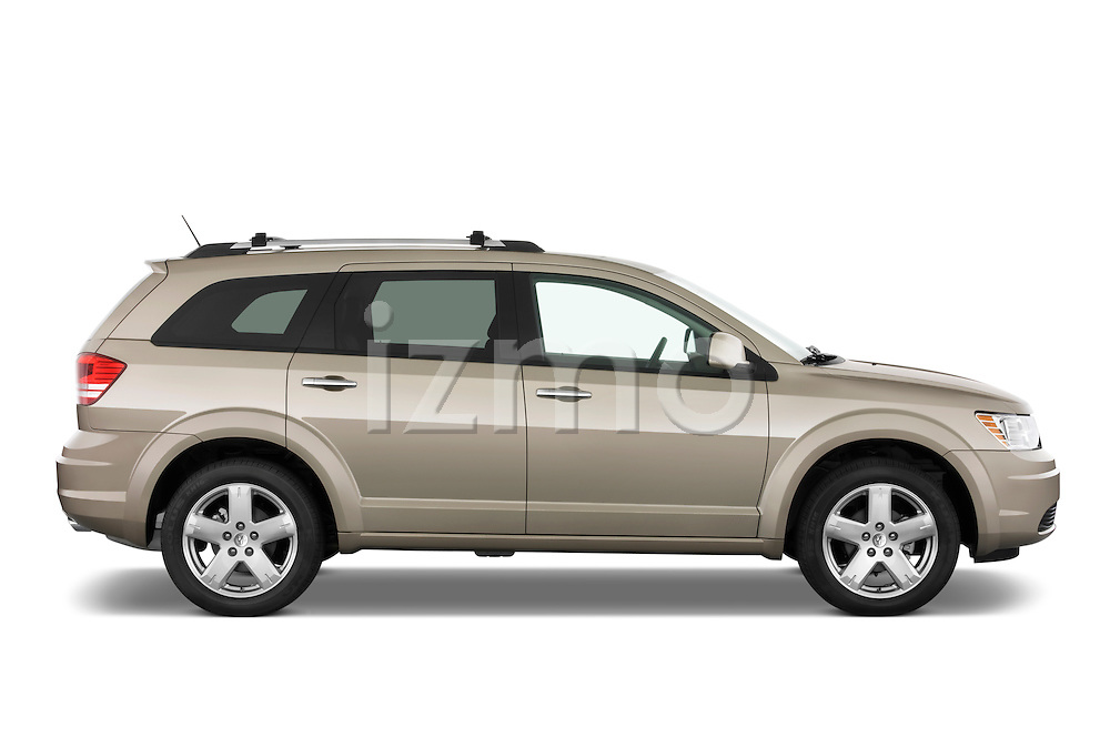 Passenger side profile view of a 2009 Dodge journey RT