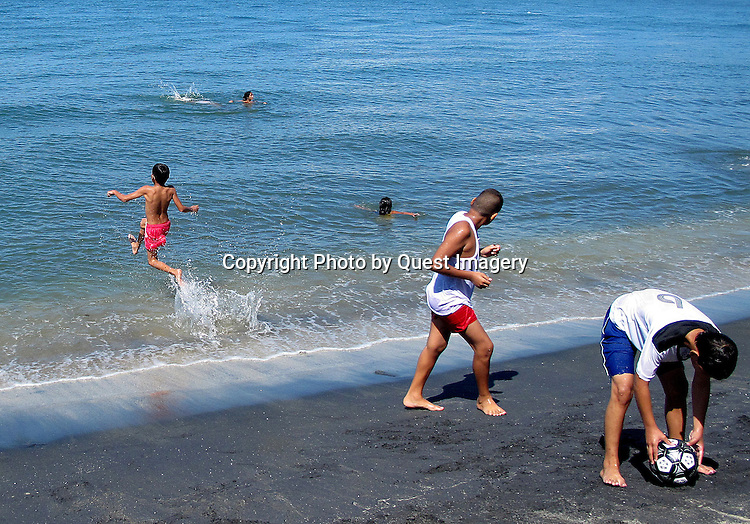 Images from Santa Marta, Colombia.<br /> The city was founded in 1525 by the Spanish conquistador Rodrigo de Bastidas, Santa Marta is the oldest existing city Colombia and second oldest of South America. On the Caribbean coast about halfway between Cartagena and the Venezuelan Border. <br /> Photo by Deirdre Hamill/Quest Imagery