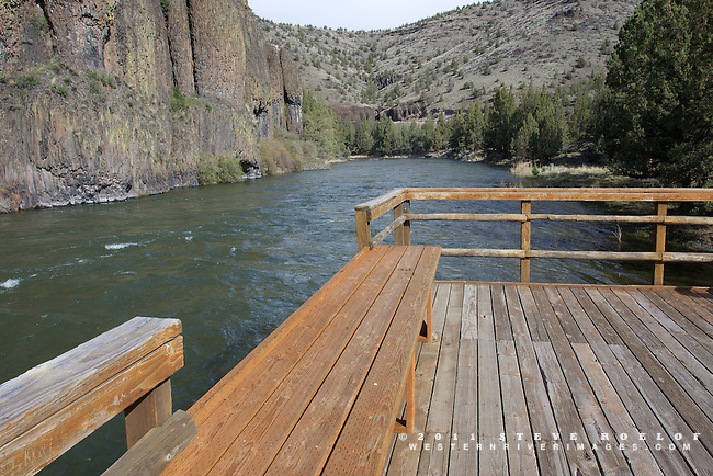 A fishing platform along the Lower Crooked River Backcountry Byway, Oregon.