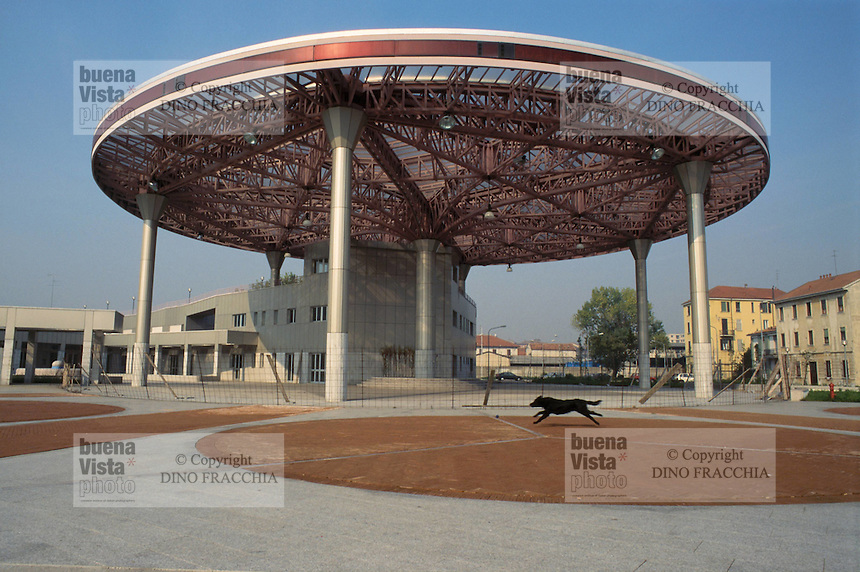 - Milan, social town center of the Barona district....- Milano, centro sociale comunale del quartiere Barona
