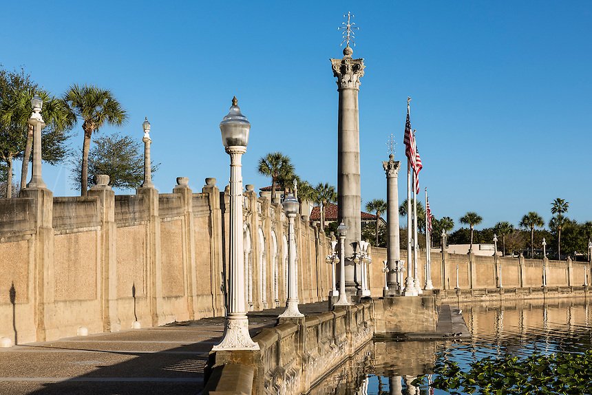 Fances Lanford Promedade on Mirror Lake, Lakeland, Florida, USA