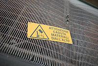 - plant for the selection of glass, safety signage..- impianto per la selezione del vetro, segnaletica antinfortunistica