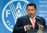 Il presidente del Venezuela Hugo Chavez alla cerimonia per il 60esimo anniversario della Fao. Roma, 17 ottobre 2005..Venezuela's president Hugo Chavez at the ceremony for United Nations Food and Agricultural Organization (FAO) 60th anniversary. Rome, 17th october 2005..UPDATE IMAGES PRESS/Riccardo De Luca