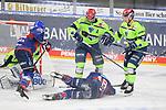 Matthias Plachta (Nr.22 - Adler Mannheim), Ben Smith (Nr.18 - Adler Mannheim), Colton Jobke (Nr.7 - ERC Ingolstadt) und Emil Quaas (Nr.20 - ERC Ingolstadt) beim Spiel in der Gruppe Sued der DEL, Adler Mannheim (dunkel) - ERC Ingolstadt (hell).<br /> <br /> Foto © PIX-Sportfotos *** Foto ist honorarpflichtig! *** Auf Anfrage in hoeherer Qualitaet/Aufloesung. Belegexemplar erbeten. Veroeffentlichung ausschliesslich fuer journalistisch-publizistische Zwecke. For editorial use only.