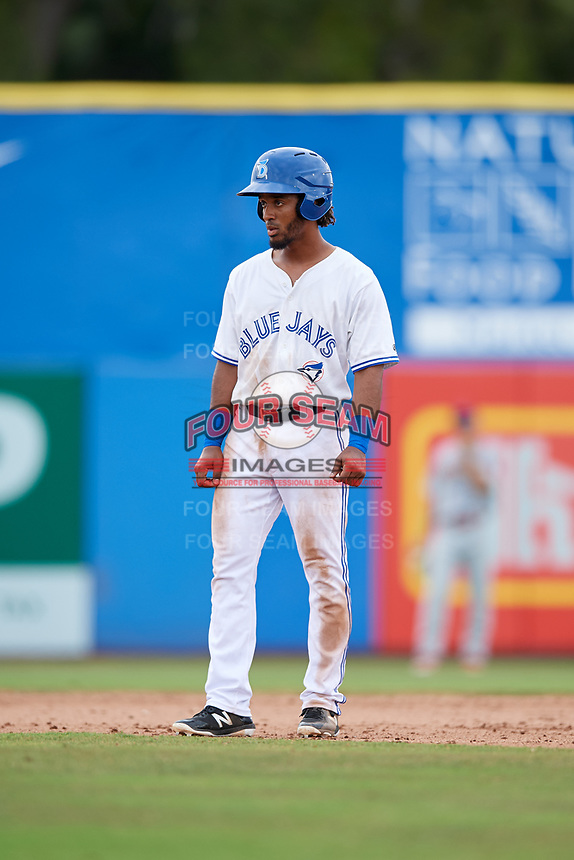 Dunedin Blue Jays third baseman Ivan Castillo (1) leads off second base during a game against the Clearwater Threshers on April 8, 2018 at Dunedin Stadium in Dunedin, Florida.  Dunedin defeated Clearwater 4-3.  (Mike Janes/Four Seam Images)