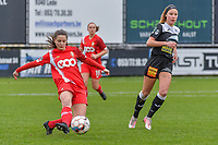 Constance Brackman (20) of Standard and Daisy Baudewijns (30) of Eendracht Aalst  pictured during a female soccer game between Eendracht Aalst and Standard Femina de Liege on the 11 th matchday of the 2020 - 2021 season of Belgian Scooore Womens Super League , Saturday 23 of January 2021  in Aalst , Belgium . PHOTO SPORTPIX.BE | SPP | STIJN AUDOOREN
