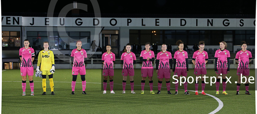 Charleroi players with Noemie Fourdin , goalkeeper Ambre Collet , Madison Hudson , Jessica Silva Valdebenito , Chrystal Lermusiaux , <br />
