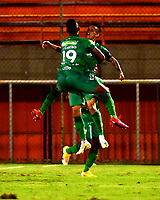 ENVIGADO - COLOMBIA, 06-11-2020: Walmer Pacheco de La Equidad celebra el gol anotado a Envigado F. C. durante partido entre Envigado F. C. y La Equidad de la fecha 18 por la Liga BetPlay  DIMAYOR 2020, en el estadio Polideportivo Sur de la ciudad de Envigado. / Walmer Pacheco of La Equidad celebrates the scored goal to Envigado F. C., during a match between Envigado F. C., and La Equidad of the 18th date  for the BetPlay DIMAYOR League 2020 at the Polideportivo Sur stadium in Envigado city. Photo: VizzorImage / Luis Benavides / Cont.