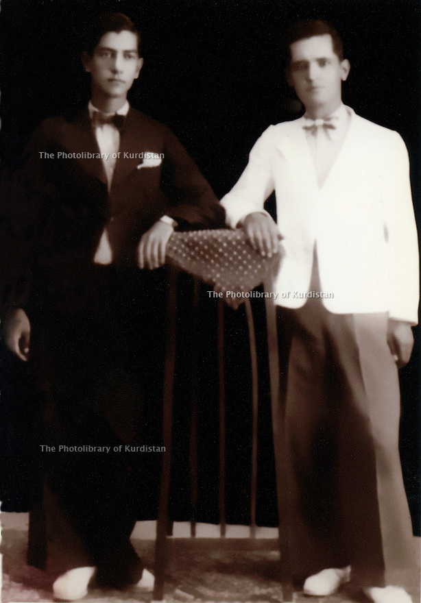 Iran 1925. In Rezaieh, left, Hussein Ghassemlou with his cousin, Habibolah wearing for the first time Western clothing. <br /> <br /> Iran 1925. In Rezaieh, a gauche, Hussein Ghassemlou avec son cousin,Habibolah, habillés pour la premiere fois a l'occidentale