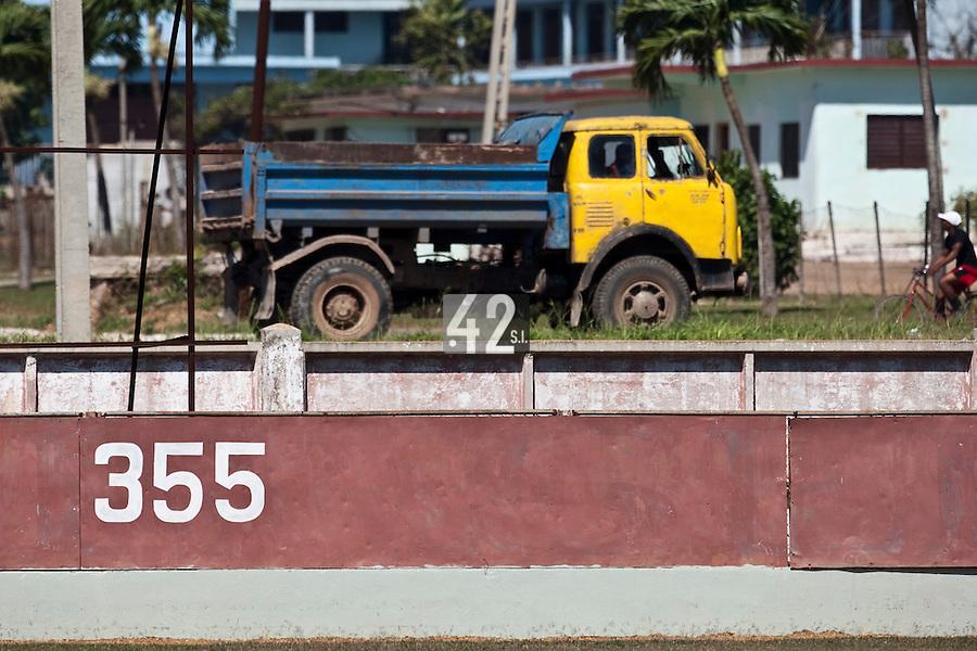 BASEBALL - POLES BASEBALL FRANCE - TRAINING CAMP CUBA - HAVANA (CUBA) - 13 TO 23/02/2009 - TRUCK, WALL 355 FEET