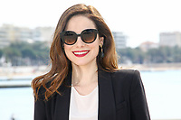 Caroline Dhavernas pose lors du photocall de MARY KILLS PEOPLE pendant le MIPTV a Cannes, le lundi 3 avril 2017.