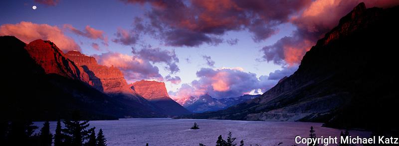 Sunrise over Wild Goose Island in Glacier National Park