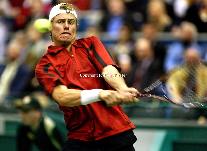 20040218, Rotterdam, ABNAMRO WTT, Lleyton Hewitt in actie tegen Schuettler