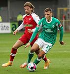 17.10.2020, Schwarzwald Stadion, Freiburg, GER, 1.FBL, SC Freiburg vs SV Werder Bremen<br /><br />im Bild / picture shows<br />Lucas Höler (Freiburg), Maximilian Eggestein (Bremen)<br /><br /><br />Foto © nordphoto / Bratic<br /><br />DFL REGULATIONS PROHIBIT ANY USE OF PHOTOGRAPHS AS IMAGE SEQUENCES AND/OR QUASI-VIDEO.