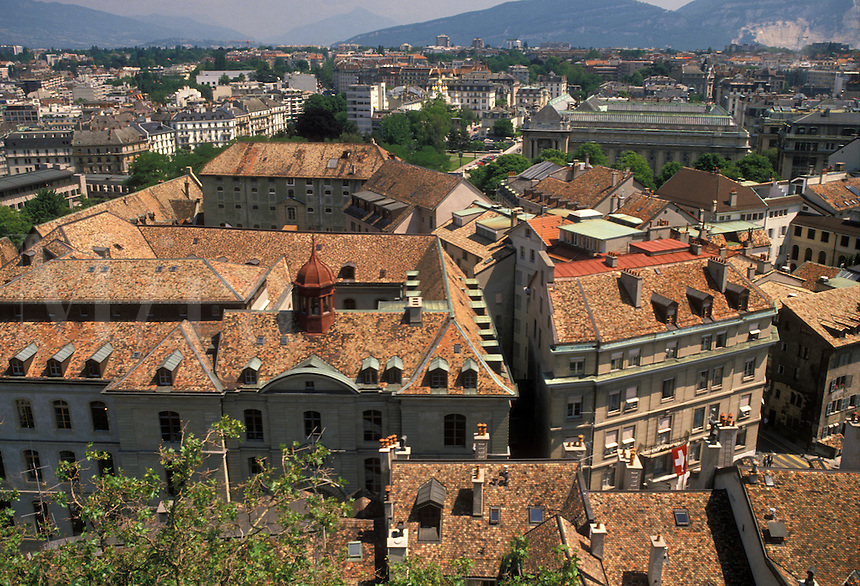 AJ2139, Geneva, Switzerland, Europe, Aerial view of the city of Geneva and it's old town (Vielle Ville) rooftops from the tower of Cathedrale de St.-Pierre.