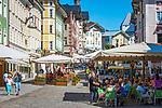 Deutschland, Bayern, Toelzer Land, Bad Toelz: Marktstrasse - Fussgaengerzone im Stadtzentrum   Germany, Bavaria, Bad Toelz: poedestrian area Marktstrasse in town centre