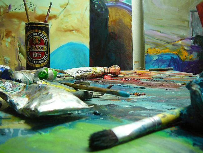 """""""En un mot c'est ma manière de voir la société dans ses intérêts et ses passions. C'est le monde qui vient se faire peindre chez moi"""" Gustave Courbet décrivant de son atelier..Détail, atelier Bázis."""