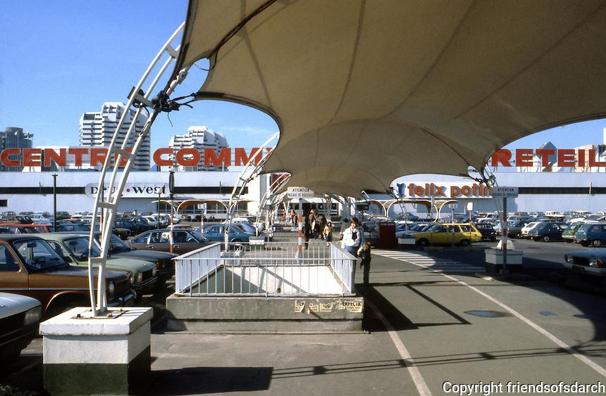 Paris: Creteil, near Metro entrance. Creteil Prefecture--main shopping entrance. Photo '90.