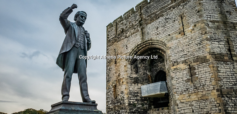 Pictured: Statue of David Lloyd George at Castle Square by Caernarfon Castle. Saturday 02 November 2019<br /> Re: North Wales, UK.