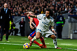Marcelo Vieira Da Silva (r) of Real Madrid battles for the ball with Saul Niguez Esclapez of Atletico de Madrid during the La Liga 2017-18 match between Atletico de Madrid and Real Madrid at Wanda Metropolitano  on November 18 2017 in Madrid, Spain. Photo by Diego Gonzalez / Power Sport Images