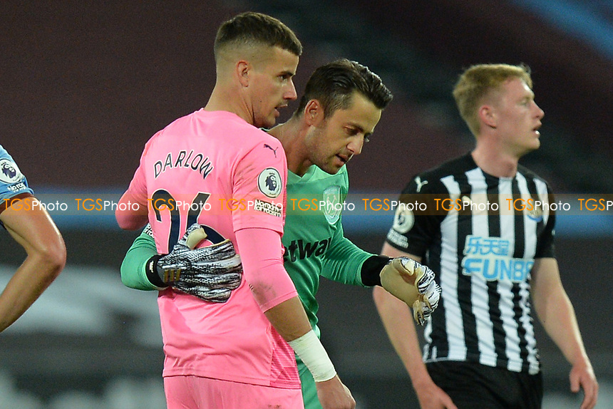 Karl Darlow of Newcastle United and Lukasz Fabianski of West Ham United during West Ham United vs Newcastle United, Premier League Football at The London Stadium on 12th September 2020