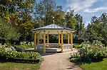 Germany, Baden-Wuerttemberg, Tauber Valley, Bad Mergentheim: 'Half Moon' pavilion at Castle Gardens | Deutschland, Baden-Wuerttemberg, Taubertal, Bad Mergentheim: Pavillon Halbmondhaeuschen im Schlosspark