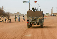 MALI, Gao, Minusma UN mission, german army Bundeswehr on patrol with Eagle armored vehicle in Gao city, FAMa malian army checkpost / Deutsche Bundeswehr UN Mission Minusma in Mali, Patrouille mit gepanzertem Fahrzeug Eagle Mowag  in Gao