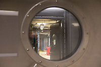 Pressetermin des Robert Koch-Instituts vor der Inbetriebnahme des Hochsicherheitslabors der Schutzstufe S4.<br /> In dem Labor der hoechsten Schutzstufe koennen am Standort Seestraße in Berlin-Wedding hochansteckende, lebensbedrohliche Krankheitserreger wie Ebola-, Lassa- oder Nipah-Viren sicher untersucht werden.<br /> Der Betriebsbeginn ist am 31. Juli 2018.<br /> Im Bild: Sicherheitsschleuse zum Laborbereich.<br /> ACHTUNG: Sperrfrist der Veroeffentlichung ist bis 25. Juli 2018 9.00 Uhr!<br /> 24.7.2018, Berlin<br /> Copyright: Christian-Ditsch.de<br /> [Inhaltsveraendernde Manipulation des Fotos nur nach ausdruecklicher Genehmigung des Fotografen. Vereinbarungen ueber Abtretung von Persoenlichkeitsrechten/Model Release der abgebildeten Person/Personen liegen nicht vor. NO MODEL RELEASE! Nur fuer Redaktionelle Zwecke. Don't publish without copyright Christian-Ditsch.de, Veroeffentlichung nur mit Fotografennennung, sowie gegen Honorar, MwSt. und Beleg. Konto: I N G - D i B a, IBAN DE58500105175400192269, BIC INGDDEFFXXX, Kontakt: post@christian-ditsch.de<br /> Bei der Bearbeitung der Dateiinformationen darf die Urheberkennzeichnung in den EXIF- und  IPTC-Daten nicht entfernt werden, diese sind in digitalen Medien nach §95c UrhG rechtlich geschuetzt. Der Urhebervermerk wird gemaess §13 UrhG verlangt.]