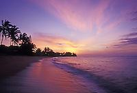 Sunset on Waialua Beach, near Haleiwa, North Shore of Oahu