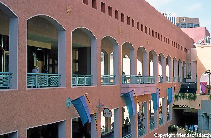 Jon Jerde: Horton Plaza, San Diego. Walkways. (Photo '85)