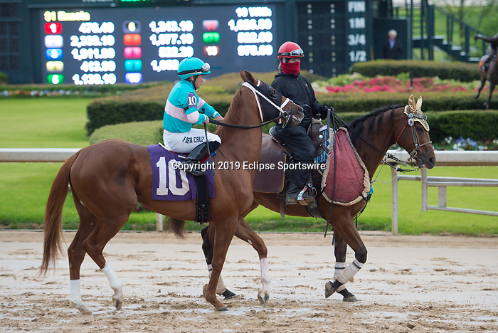 April 11, 2020: Something Natural (10) with jockey Fernando De La Cruz aboard during the Oaklawn Stakes at Oaklawn Racing Casino Resort in Hot Springs, Arkansas on April 11, 2020. Ted McClenning/Eclipse Sportswire/CSM   Oaklawn Stake at Oaklawn Racing Casino Resort  on April 11, 2020 in Hot Springs, Arkansas. (Photo by Ted McClenning/Eclipse Sportswire/Cal Sport Media)