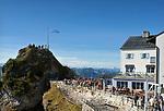 Deutschland, Bayern, Rosenheimer Land, auf dem Wendelstein. Der Wendelstein ist ein 1838 Meter hoher Berg der Bayerischen Alpen. Er gehoert zum Mangfallgebirge, dem oestlichen Teil der Bayerischen Voralpen. Er ist hoechster Gipfel des Wendelsteinmassivs, ist mit der Wendelstein-Seilbahn und der Wendelstein-Zahnradbahn erschlossen. Auf dem Gipfel des Berges befindet sich die Wendelstein-Kapelle auch Wendelsteinkircherl genannt, eine Sternwarte, eine Wetterwarte und die weithin sichtbare Sendeanlage des Bayerischen Rundfunks | Germany, Bavaria, Rosenheimer Land, at Wendelstein summit, 1838 m.