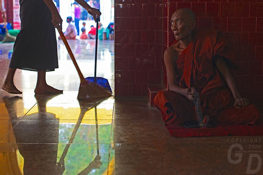 Maha Muni during Full Moon Festival, Mandalay, Myanmar, Burma
