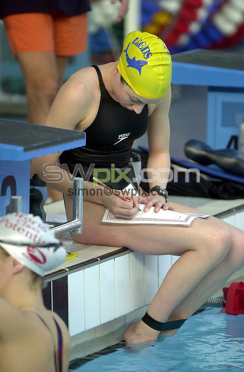 Pix: Matthew Lewis/SWpix.com. Swimming. National Youth Squad Swimming, Loughborough University. 25/10/2002...COPYRIGHT PICTURE>>SIMON WILKINSON>>01943 436649>>..City of Leeds' Rebecca Shaw records her times.