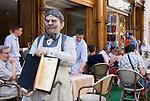 HUN, Ungarn, Budapest, Stadtteil Pest, Zentrum: Váci utca, Fussgaengerzone, Restaurant | HUN, Hungary, Budapest, Pest District, centre: Váci utca, popular pedestrian area restaurant