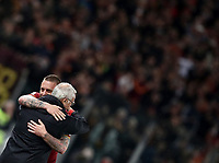 Football, Serie A: AS Roma - Parma, Olympic stadium, Rome, May 26, 2019. <br /> Roma's captain Daniele De Rossi (r) greets his coach Claudio Ranieri (l) as he leaves the pitch during the Italian Serie A football match between Roma and Parma at Olympic stadium in Rome, on May 26, 2019.<br /> UPDATE IMAGES PRESS/Isabella Bonotto